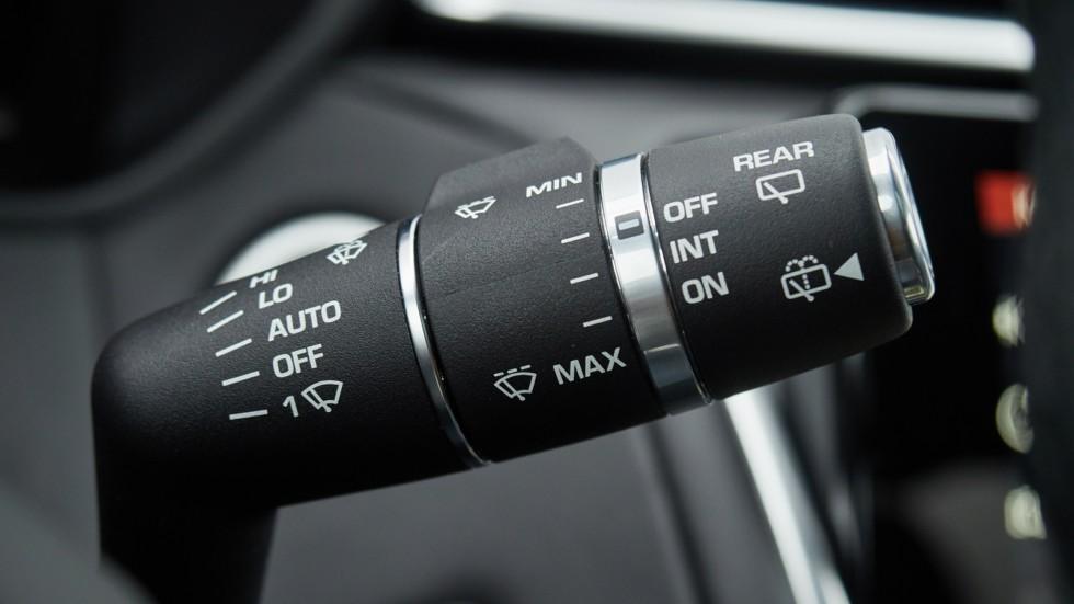 Range_Rover_Velar_003