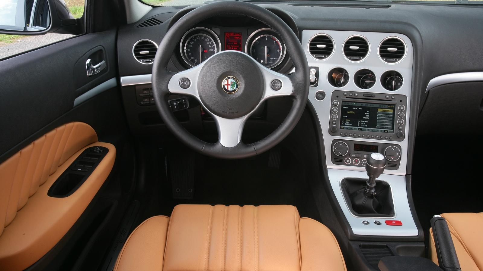 Торпедо Alfa Romeo 159 Worldwide (939A) '2005–08 ...