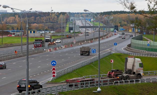 Наплатной автомагистрали М11 планируют установить шесть зарядных станций