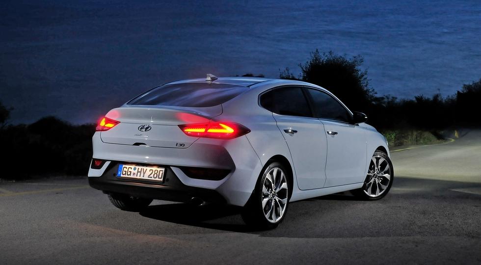 Hyundai запускает в продажу i30 Fastback