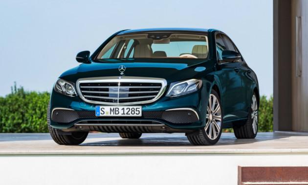 Продажи премиальных автомобилей в России растут второй месяц