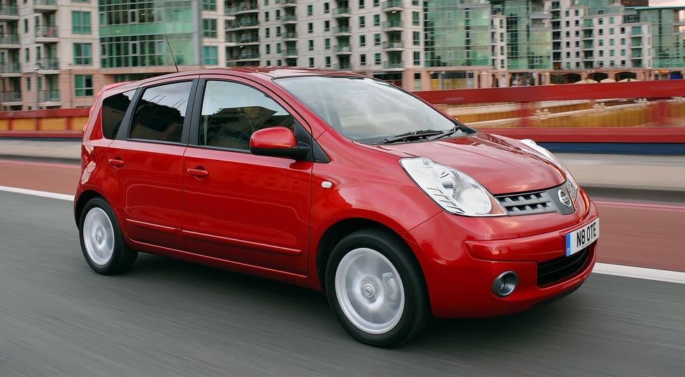 На фото: Nissan Note (E11)'2005–09