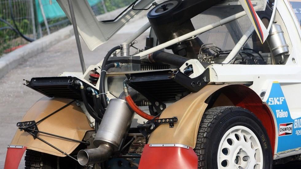 peugeot_205_t16_rally_car_11