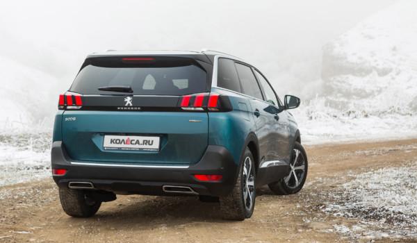Вожак прайда саблезубых: тест-драйв Peugeot 5008
