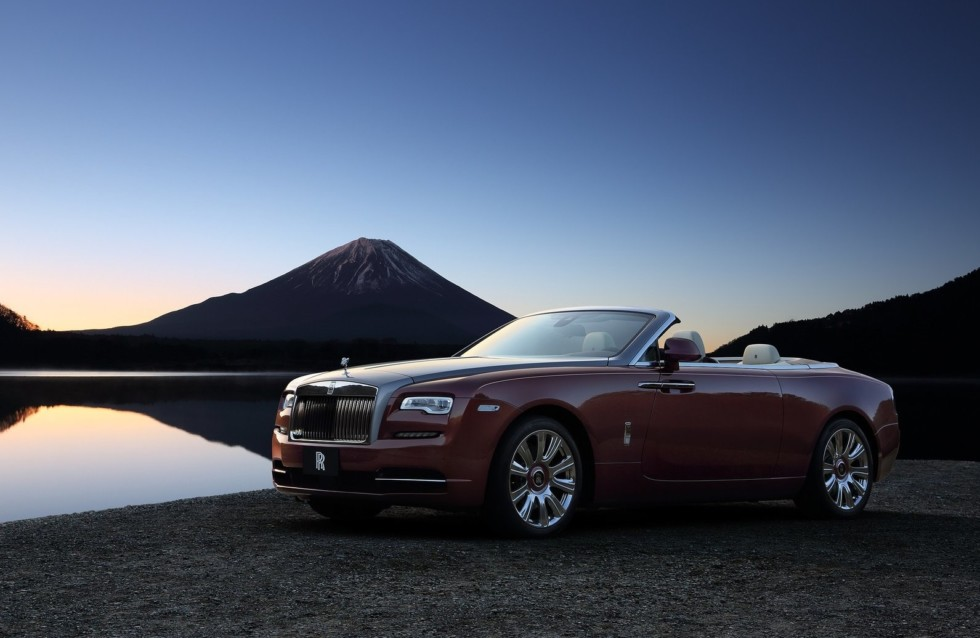 На фото: Rolls-Royce Dawn