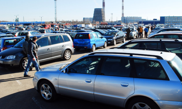 Цены наподержанные автомобили вПетербурге на18% выше средних по России
