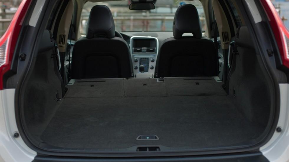 На фото: Интерьер Volvo XC60 D3 '2009–13