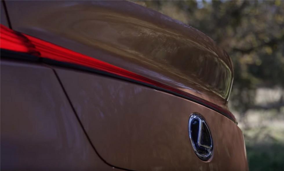Lexus LF-1 Limitless 3