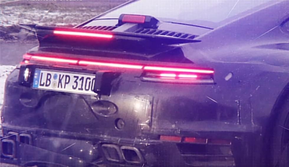 Новый Porsche 911 Turbo лишился камуфляжа