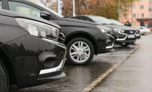 22 компании изменили цены насвои автомобили в РФ замесяц