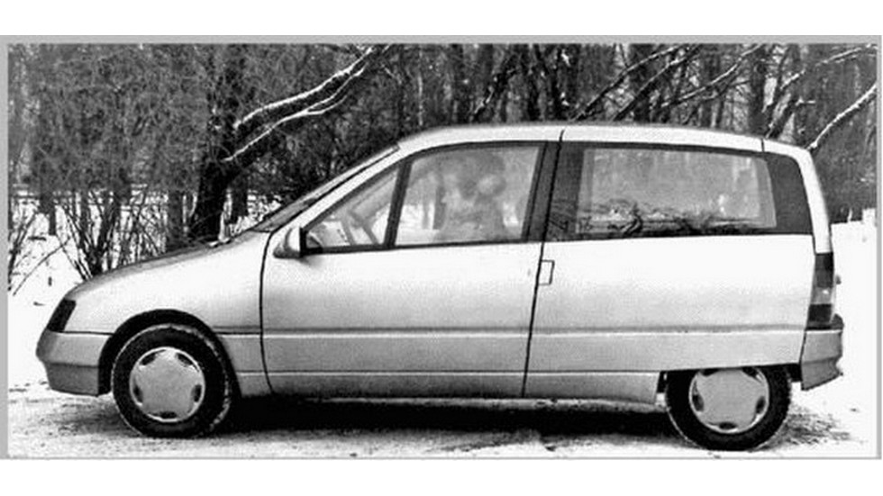 «Дебют» (на фото) чем-то неуловимо напоминал «ситроэновский» концепт Eco 2000 1984 года