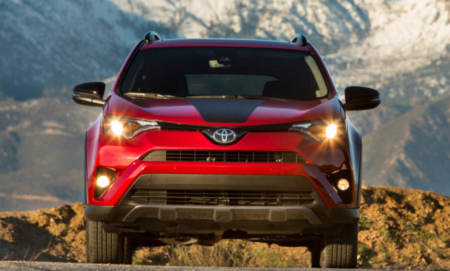 Тойота уже вывела натесты новый RAV4