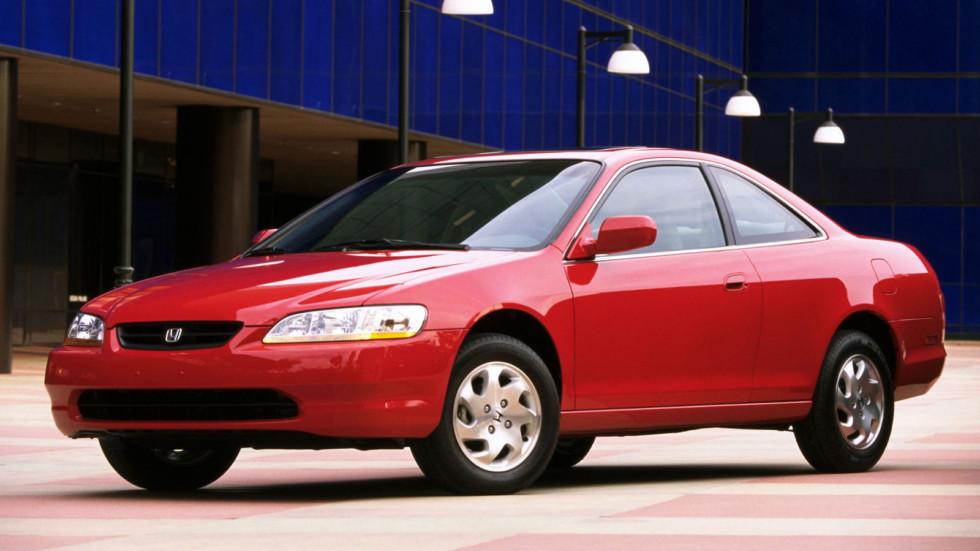 На фото: купе Honda Accord '1997–2002