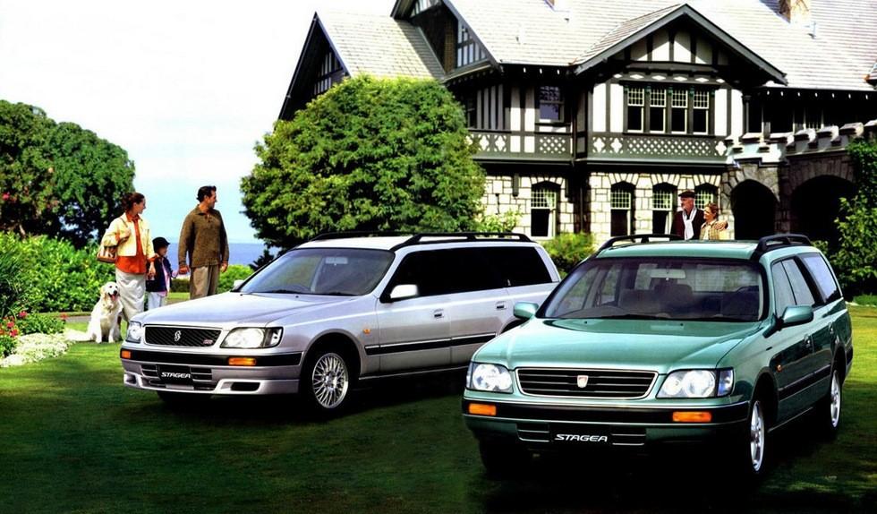 На фото: Nissan Stagea '1996–1998