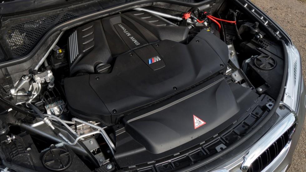 На фото: Под капотом BMW X5 M '2015–н.в.