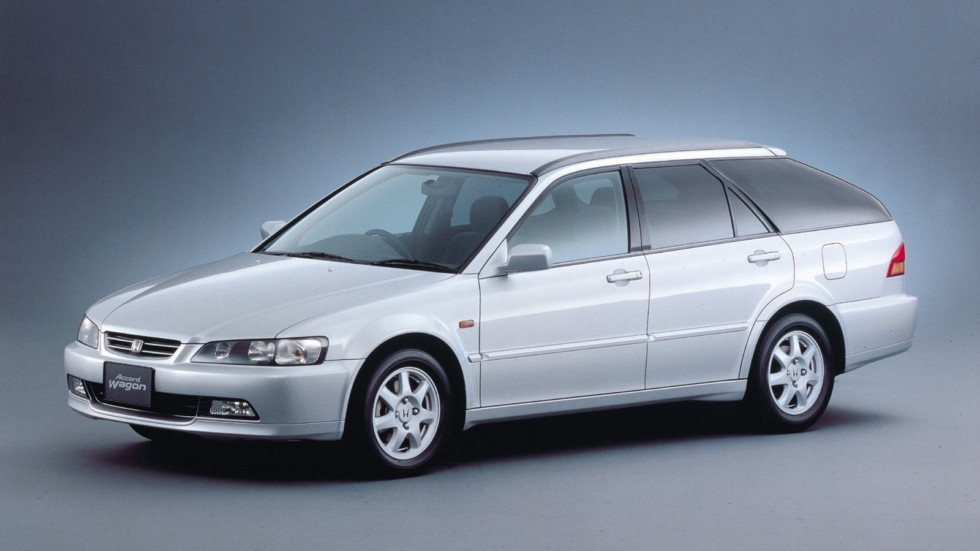 На фото: Honda Accord Wagon '1997–2000