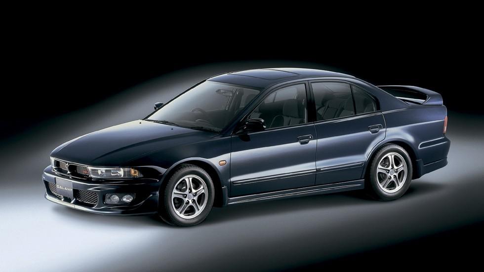 На фото: Mitsubishi Galant VR-4 '1998–2002