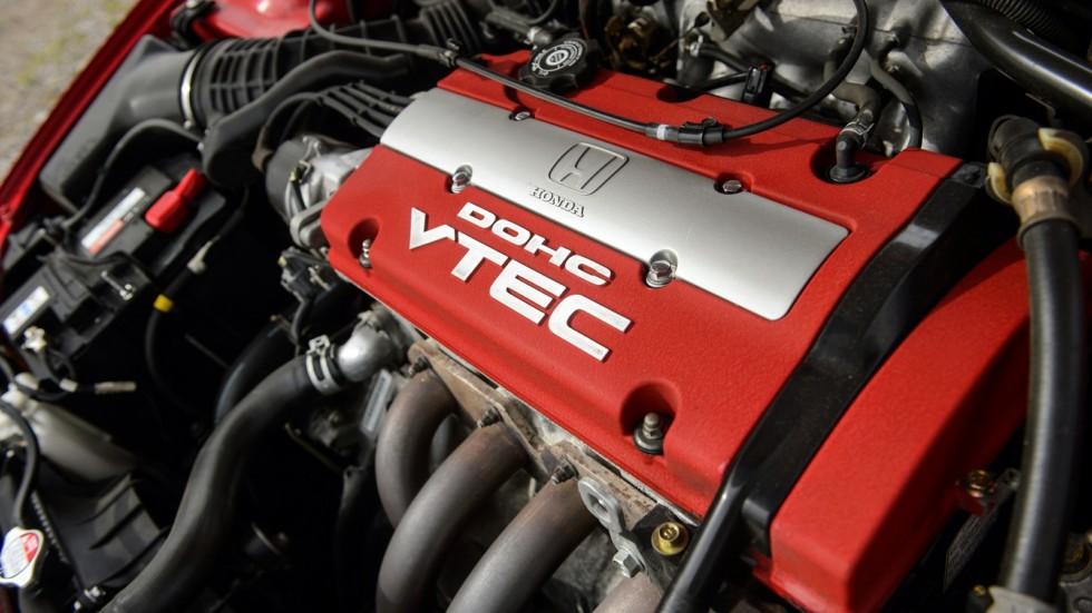 На фото: Под капотом Honda Accord Type R '1999–2002