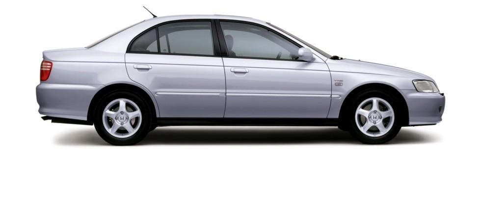 На фото: Honda Accord Sedan '1998–2002