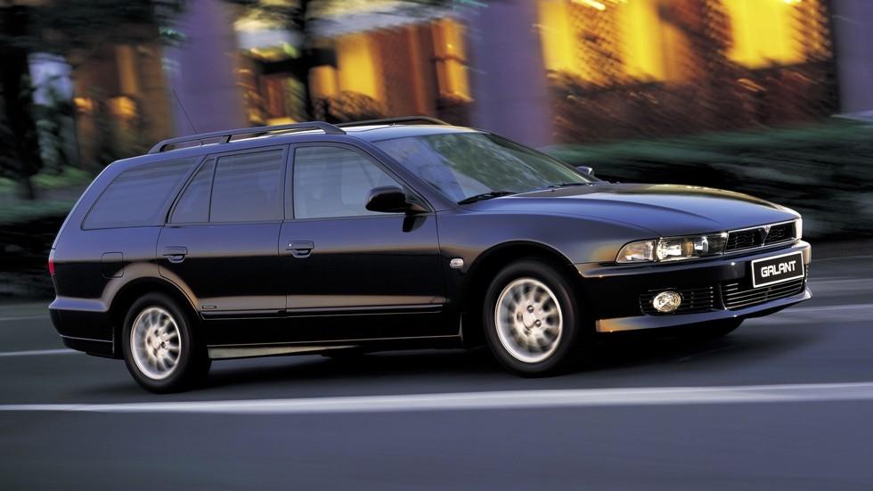 На фото: Mitsubishi Galant Elegance Wagon '1996–2003