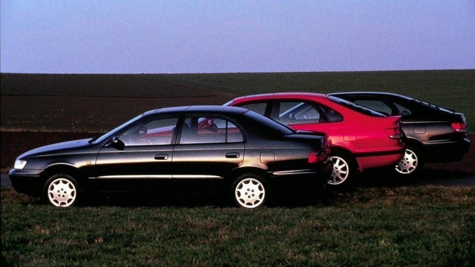 На фото: Toyota Carina E