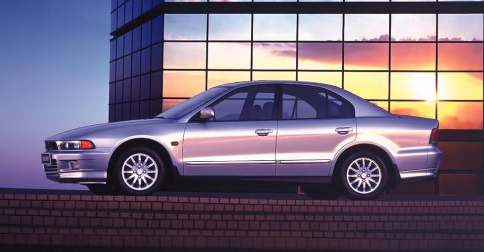 На фото: Mitsubishi Galant '1996–2003
