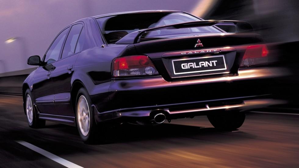 На фото: Mitsubishi Galant Sport '1996–2003