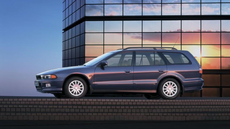На фото: Mitsubishi Galant Wagon '1996–2003
