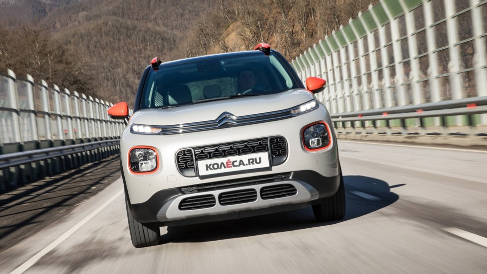 Citroen_C3_Aircross_(dynamics)--22