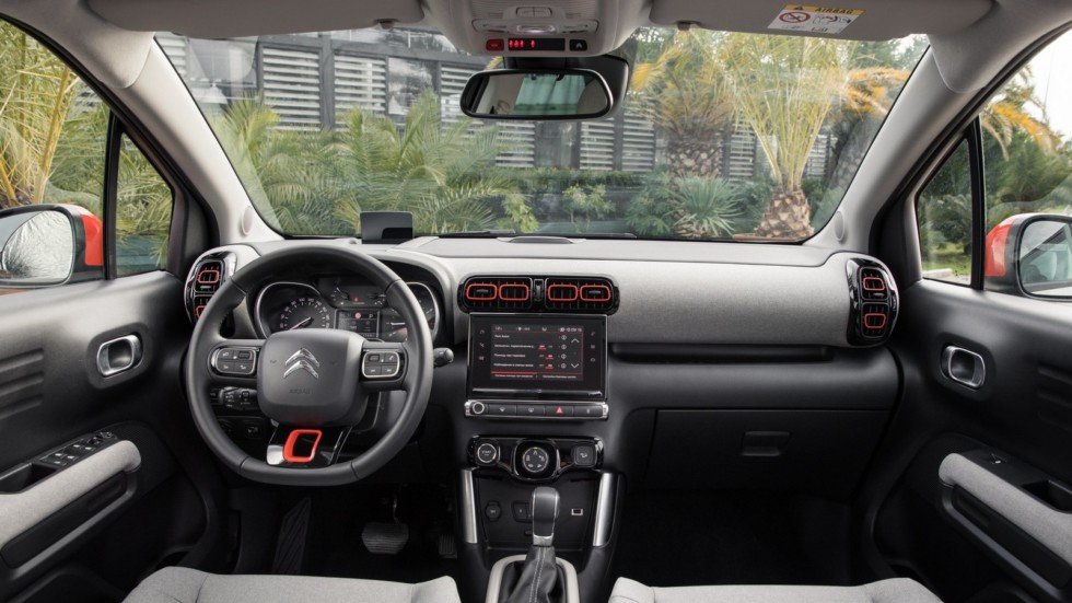 Citroen_C3_Aircross_(interior)-4