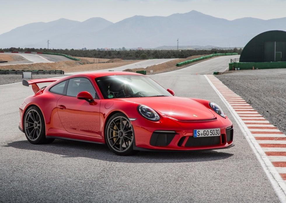 На фото: актуальный Porsche 911 GT3