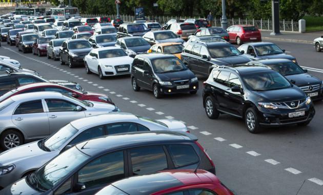 Автомобильный парк Российской Федерации на61% состоит изиномарок