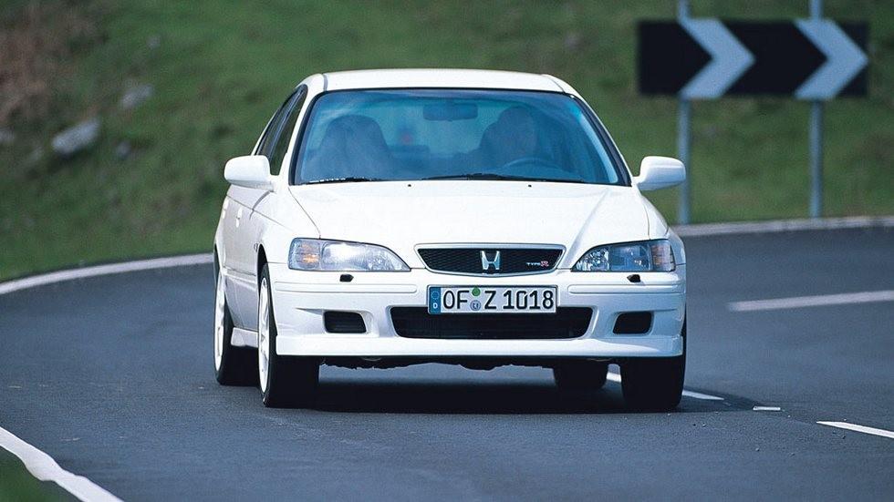На фото: Honda Accord Type R '1999–2002