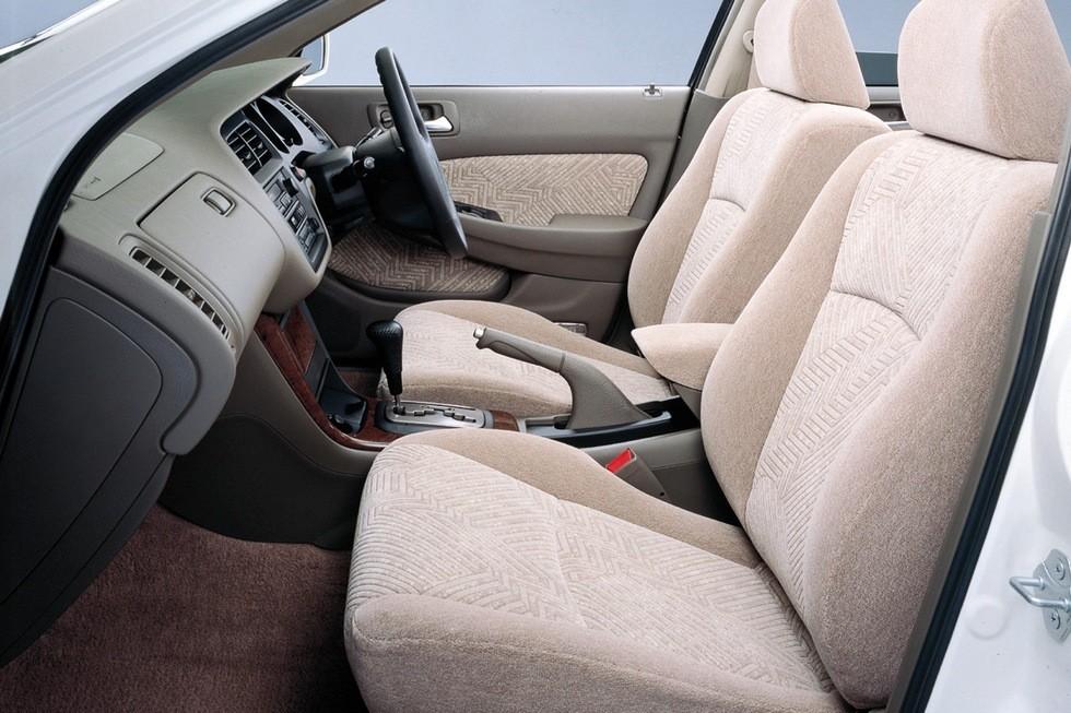 Интерьер Honda Accord 2.3VTL Wagon JP-spec (CF7) '09.1997–05.2000