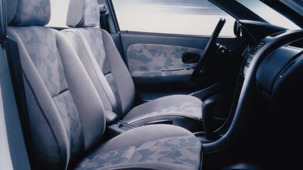Интерьер Mitsubishi Carisma 5-door '1995–99