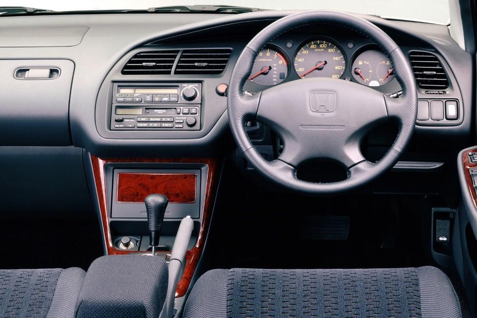 Торпедо Honda Accord SiR Wagon JP-spec (CH9) '01.1999–05.2000