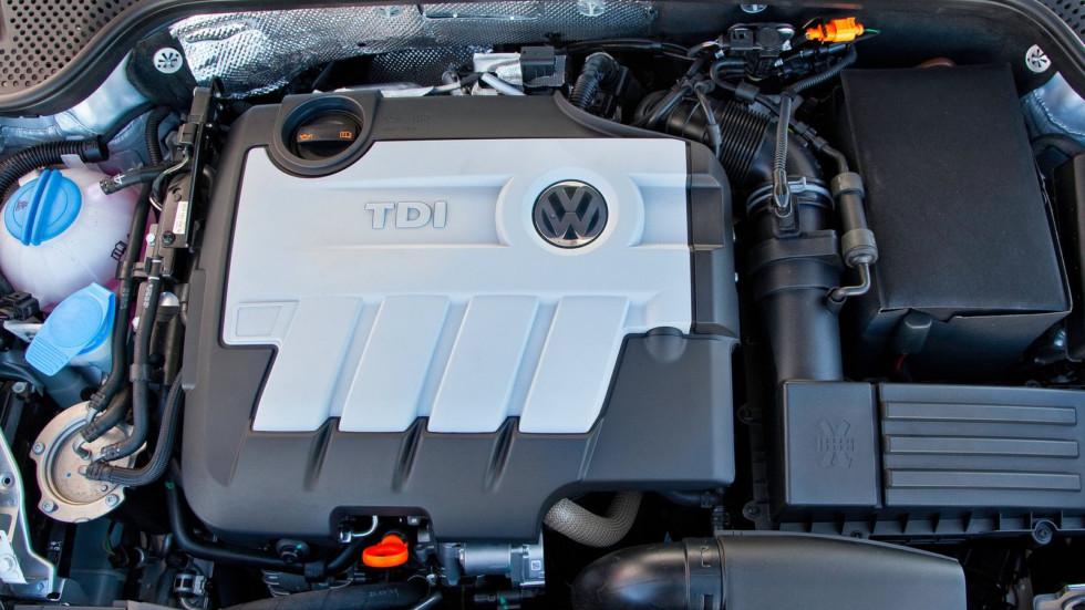 Volkswagen-Beetle_TDI-2013-1600-06