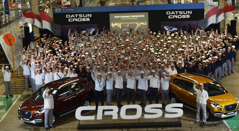 Кроссовер Datsun Cross встал на конвейер