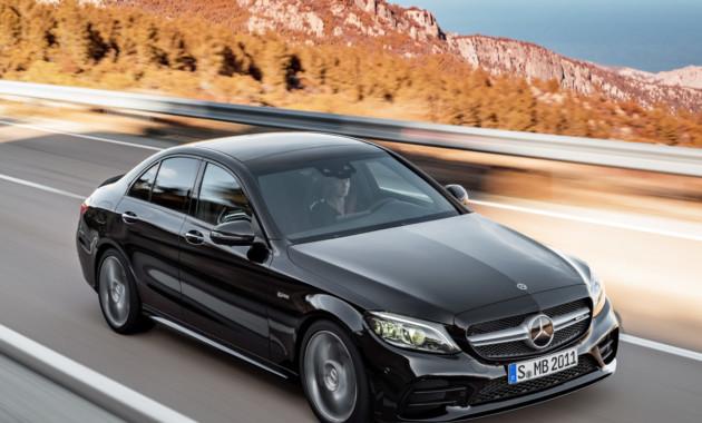 Mercedes добавил мощности модели C43 AMG