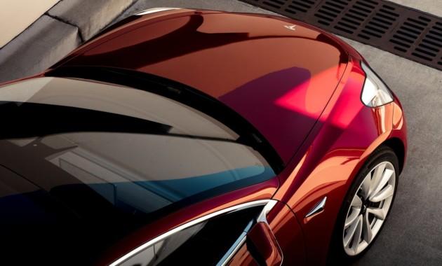 На трассах США увидели двухмоторную версию седана Tesla Model 3