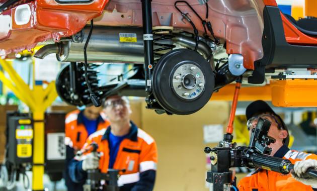 Объём производства автомобилей в России вырос в феврале