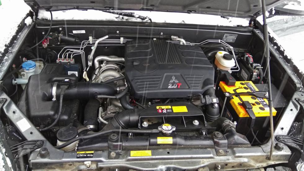 На фото: двигатель DW Hower H3