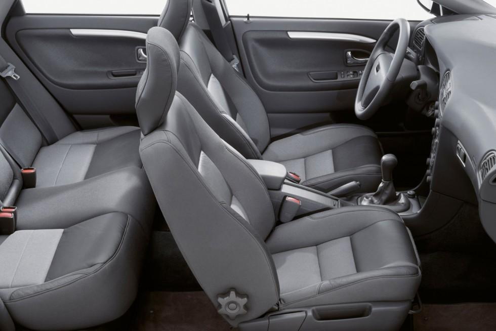 Интерьер Volvo S40 '2002–04