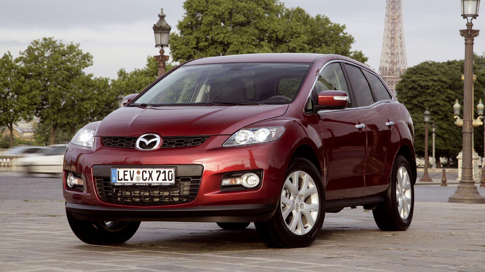 На фото: Mazda CX-7 '2006–09