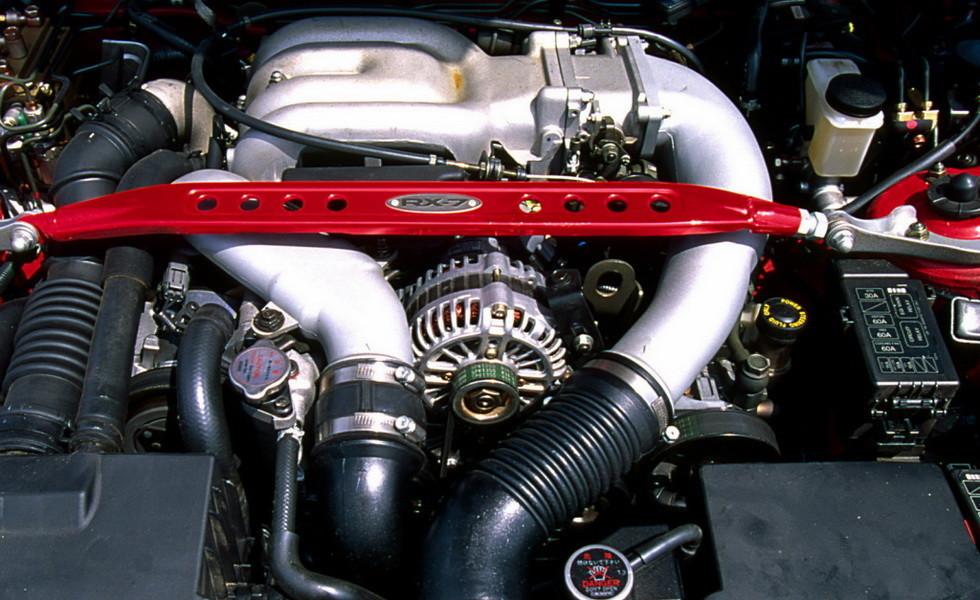 Роторный двигатель Mazda RE13B (Wankel)