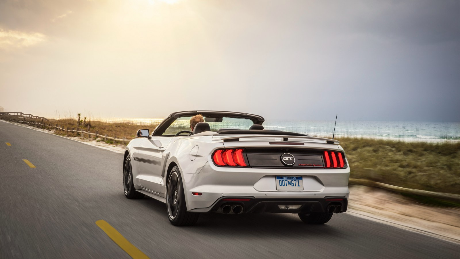 ford_mustang_gt_convertible_california_special_20
