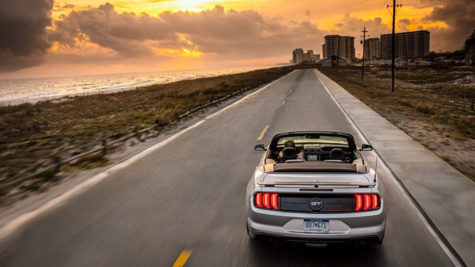 ford_mustang_gt_convertible_california_special_9