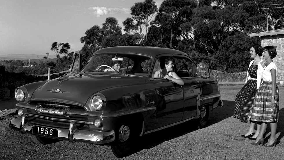 На фото: Plymouth Savoy