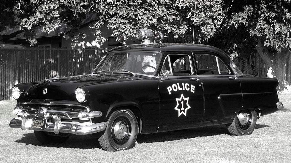 1954 ford mainline полиция