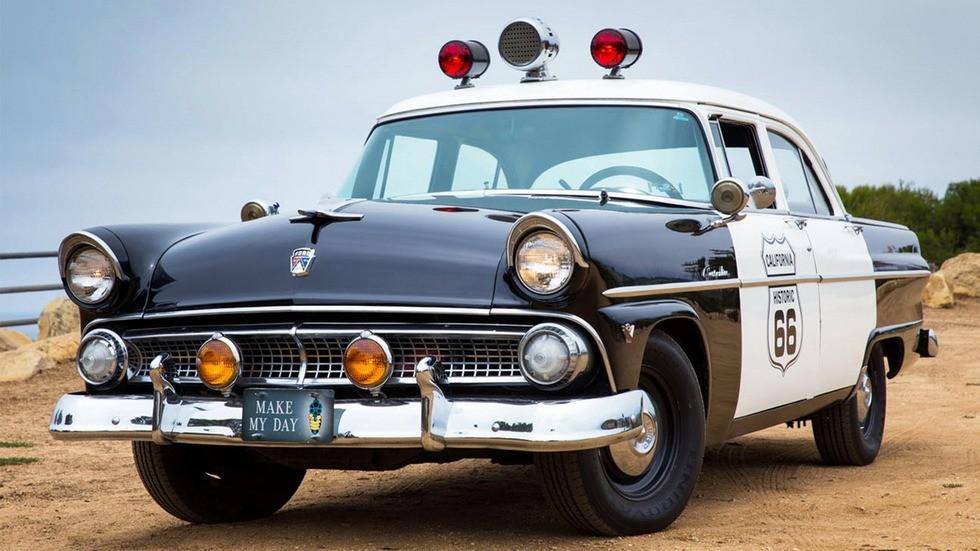 1955 ford customline полиция